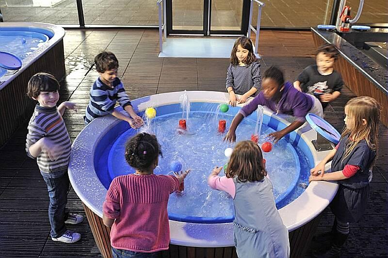 les jeux d 39 eau cit des enfants 5 12 ans la cit des. Black Bedroom Furniture Sets. Home Design Ideas